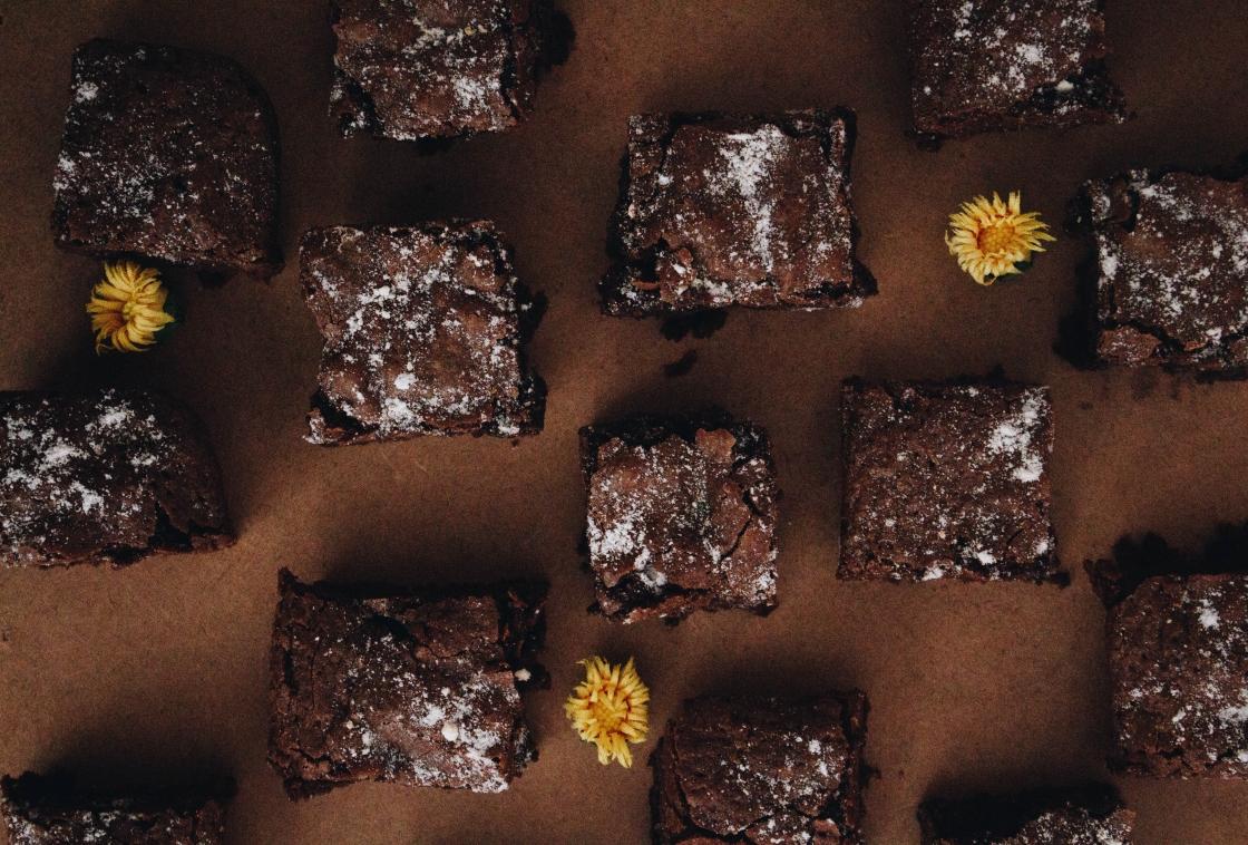 honey yanibel minaya cruz unsplash chocolate brownies