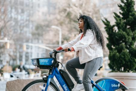 pexels uriel mont bike cycling New York girl marize